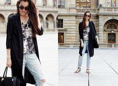 Get this look: http://lb.nu/look/7585696  More looks by Hana Szobonyova: http://lb.nu/hanaszobony  Items in this look:  Vero Moda Black Long Cardigan, H&M Black Bag, Diy Jeans   #artistic #chic #minimal #black #white #casual