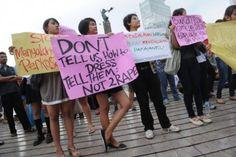 """Indonesia, lo speaker del parlamento ha dichiarato """"ci sono stati molti stuprim e altri atti immorali perchè le donne non sono vestite in modo appropriato. Voi sapete come sono gli uomini. Un abbigliamento provocante gli fa compiere delle cose"""". Ah, e quindi non si puniscono gli uomini, non è loro responsabilità comportarsi civilmente, ma sono le donne che non possono mettersi una gonna?"""