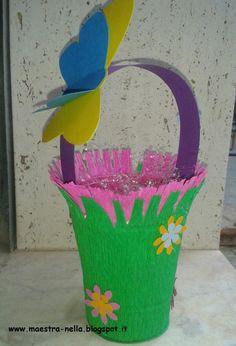 disegni, idee e lavoretti per la scuola dell'infanzia... e non solo Planter Pots, Crafts For Kids, Spring, Mamma, Education, Behance, Party, Lab