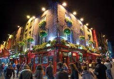 Planning your first trip to Dublin, Ireland? Here's what you need to know, where to stay, and how to spend three days in Dublin. Dublin Travel, Dublin City, Travel Tours, Ireland Travel, Ireland Vacation, Cafe Dublin, Dublin Tours, Galway Ireland, Cork Ireland