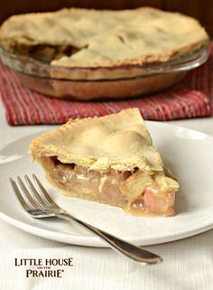 Laura Ingalls Wilder's Rhubarb Pie Recipe from The First Four Years Rhubarb Pie, Rhubarb Recipes, Fruit Recipes, Pie Recipes, Sweet Recipes, Dessert Recipes, Cooking Recipes, Cooking Rhubarb, Recipies