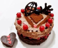 ©Oggi vi cucino così!: Torta al Cioccolato Fondente e Lamponi con Mousse al Cioccolato e Zenzero | Per Re-Cake