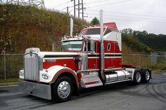 260 inch wheelbase, 525 horses under the hood. Show Trucks, Big Rig Trucks, Old Trucks, Custom Big Rigs, Custom Trucks, Customised Trucks, Trailers, Train Truck, Road Train