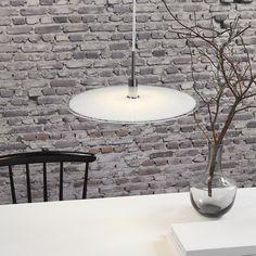 Klasyczna płaska lampa wisząca Discos o średnicy 39 cm marki Nordlux. Lighting Online, Reception Areas, Interior Lighting, Glass Pendants, Pendant Lighting, Beautiful Homes, Indoor, Ceiling Lights, Design