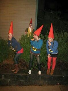 Halloween Costume Ideas for Best Friends gnome costume what a cute idea! Garden Gnome Halloween Costume, Gnome Costume, Hallowen Costume, Cute Costumes, Funny Group Costumes, Zombie Costumes, Family Costumes, Haloween Costumes 2017, Funny Women Costumes