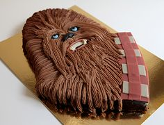 Star Wars: Chewbacca Cake by Chez Bogato of Paris Star Wars Party, Star Wars Birthday Cake, 5th Birthday Cake, Birthday Parties, Birthday Ideas, Chewbacca, Star Wars Cake Toppers, Star Wars Food, Star Wars Gifts