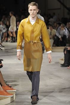 See the complete Prada Spring 2009 Menswear collection.