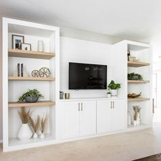 Built In Shelves Living Room, Living Room Wall Units, Living Room Tv Unit Designs, Living Room Cabinets, Living Room Storage, Living Room Decor, Home Living Room, Built In Tv Wall Unit, Tv Wall Shelves