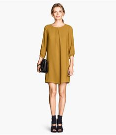 so french, so 60s, sometimes h&m gets it really right. loved this short dress in all the available colors.
