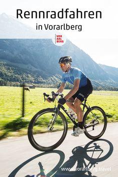 In Vorarlberg kommen Rennradler ganz auf ihre Kosten: kurvenreiche Pass-Straßen in sehr gutem Zustand, lange Bergstraßen, knackiges Auf und Ab und genügend Genussstationen. Tipps und Tourenvorschläge für Rennradfahren in Vorarlberg. Fürstentum Liechtenstein, Radler, Bicycling, Tips