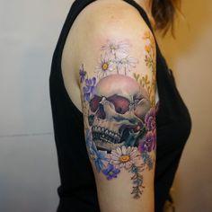 G.NO #torontotattoo #skulltattoo #floraltattoo #tattoopeople #flowertattoo #tattoo #toronto #gnotattoo Tattoo People, Watercolor Tattoo, Tatting, Toronto, Piercings, Ink, Skulls, Dreams, Sweet
