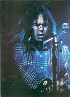 ganko-oyazi: bornbeforethewind: pieceofthesky: My new favourite Neil Young photo Neil Young (via atozfield, shedarkedthesun)
