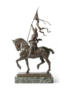 Emmanuel FREMIET (1824-1910) Joan of Arc on horseback wearing her standard Bronze sculpture with brown patina nuanced. Signed. Old edition iron. Green veined marble base. Sun sculpture. 74 x 34.5 x 10.5 cm 8,764 Euros