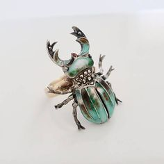 Vinage scarab ring. Enameled insect jewelry. Egyptian revival