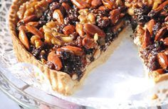 Nut Appricot Plum Tart for Christmas Delicious Desserts, Dessert Recipes, Pan Dulce, Xmas Food, Love Eat, Latin Food, Creative Food, Cooking Time, Cooking Recipes