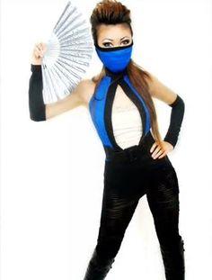 DIY Kitana Halloween costume from 'Mortal Kombat'