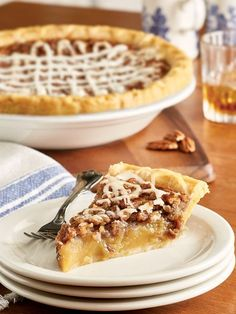 This delectable Old-Fashioned Whiskey Pecan Pie is sure to impress. Arrives ready to eat with the addition of an artisan whiskey glaze from Texas. Somoa Cake, Pecan Desserts, Homemade Apple Pies, Pie Dessert, Savoury Cake, Clean Eating Snacks, Pie Recipes, Baked Goods, Food Photography