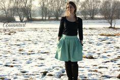 Wedgwood Rock aus Berrydrops Satin von Jolijou Waist Skirt, High Waisted Skirt, Straight Stitch, Rock, Stitch Design, Wedgwood, Satin, Skirts, Fashion