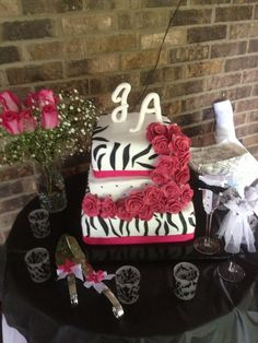 Hot Pink And Black Wedding Ideas | Cake hot pink & black | Hot Pink and Black Wedding Ideas- Alba