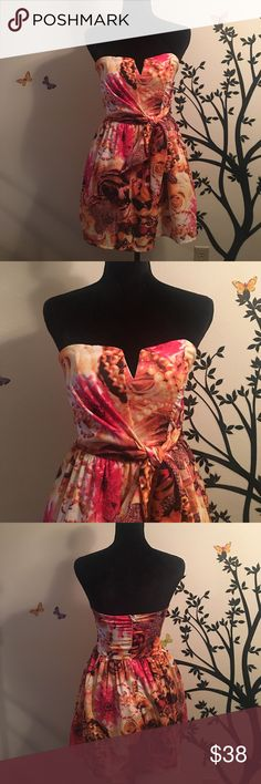 NWT strapless dress 😍 Brand new dress strapless dress so cute you will fall in love with this piece 😍 San Joy Dresses Strapless