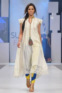 long white kurta with lace