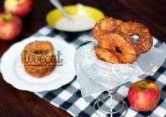 Яблоки в карамели - любимое многими угощение. Однако, не только карамель может сделать яблоки аппетитными и хрустящими. Предлагаю