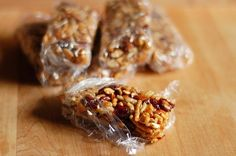 Healthy Gifts for Busy Friends: 6 Recipes for Homemade Energy Bars