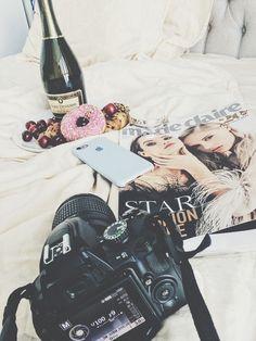 Backstage photo camera magazine champagne