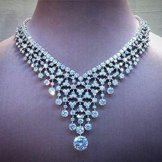 @angeloxdexluca. #bulgari #necklace #diamonds