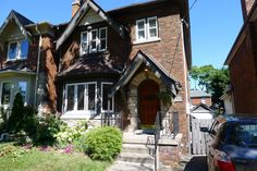 TORONTO-SunnyBrook-JAN-2016-Executive detached three-bedroom furnished family home in quiet/convenient neighbourhood