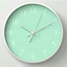 Time for Mint Green - Clock Mint Green Aesthetic, Aesthetic Colors, Wallpapers Verdes, Verde Aqua, Mint Color, Mint Blue, Green Rooms, Turquoise, Colour Board