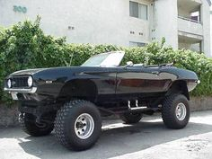 1969 Camaro 4 X 4 on 86 Jeep Chassis. God I want it ♥♥♥ Chevy Camaro Convertible, 1969 Chevy Camaro, 4x4 Trucks, Chevy Trucks, Chevy 4x4, Monster Car, Monster Trucks, Go Kart, Rat Rods