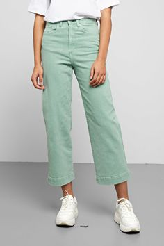 Veer Sage Jeans - Green - Jeans - Weekday PL Mint Green Pants, Green Pants Outfit, Green Jeans, Pastel Pants, Retail Experience, Youth Culture, Dress Codes, Stretch Denim, Fashion Brand