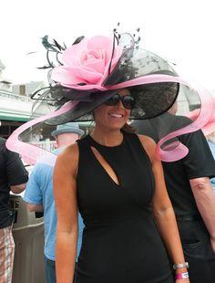 hats in 2019 шляпная вечеринка, Kentucky Derby Outfit, Kentucky Derby Fashion, Derby Attire, Derby Outfits, Chapeaux Pour Kentucky Derby, Ascot Hats, Fancy Hats, Big Hats, Derby Party