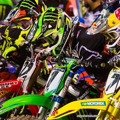 James Stewart Chad Reed and Ryan Villapoto Enduro Motocross, Bmx, Kawasaki Dirt Bikes, Dirt Bike Racing, Dirt Biking, Fox Racing, Dirtbikes, Motorcycle Outfit, My Ride