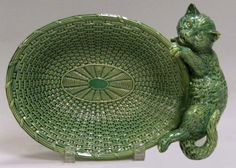 Brownfield Green Majolica Glazed Cat and Basket Pattern Bowl