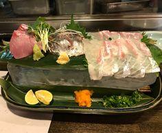 Fresh Japanese sashimi served on a big ol bed of ice! Look at that sea bream! #japankuru #wakaba #kappou #sashimi #tuna #seabream #japanesecuisine #割烹 #さしみ #わかば #居酒屋 #izakaya #roppongi #food #fish #六本木 #japan #tokyo