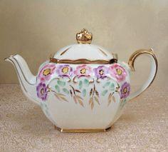 Sadler Tea Pot from Helen's Royal Tea House  https://www.facebook.com/HelensRoyalTeaHouse?ref=tn_tnmn  http://www.etsy.com/shop/HelensRoyalTeaHouse