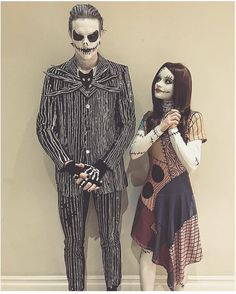 Love these two as Jack and Sally Lieben Sie diese zwei als Jack und Sally The post Lieben Sie diese zwei als Jack und Sally & Make appeared first on Halloween costumes . Disney Couple Costumes, Celebrity Couple Costumes, Cute Couple Halloween Costumes, Soirée Halloween, Halloween Cosplay, Cool Costumes, Tim Burton Halloween Costumes, Movie Couples Costumes, Christmas Costumes