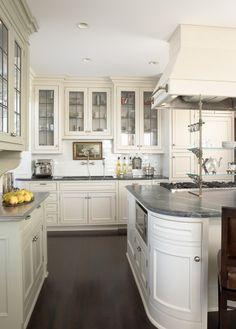 Refined Kitchen - traditional - kitchen - new york - Andrew Flesher Interiors Kitchen Interior, Kitchen Decor, Kitchen And Bath, Design Kitchen, Room Kitchen, Kitchen Ideas, Fixer Upper Style, Kitchen New York, Enchanted Home