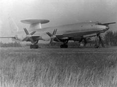 23 January 1963 first flight of the Tupolev Airborne Early Warning and Control Military Jets, Military Aircraft, Tupolev Tu 160, Russian Bombers, Uss Intrepid, Cruise Missile, Russian Air Force, Aircraft Photos, Lineman