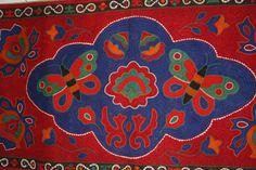 Kyrgyzstan - Exhibition of National craftsmen launched in Art Museum in Bishkek, December 6, 2011. Photo by Aman Japarov (RFE/RL)
