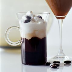 Snowstorm Café | This drink is the perfect warmer-upper after skiing or snowboarding or for any cold, winter day.