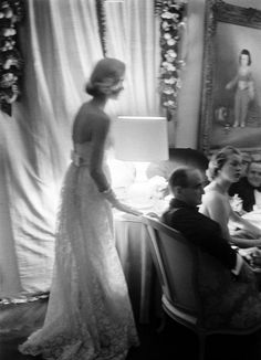 C. Z. Guest at Kitty Miller's New Year's Eve party, 1956. Photo: Alfred Eisenstaedt.
