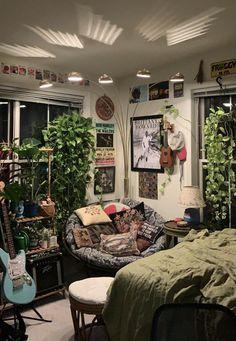 Room Design Bedroom, Room Ideas Bedroom, Bedroom Decor, Study Room Decor, Cosy Bedroom, Bedroom Inspo, Pretty Room, Aesthetic Room Decor, Indie Room Decor