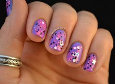 Use this nail wrap to give yourself a sparkly star manicure for NYE.