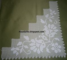 This Pin was discovered by Nur Filet Crochet, Crochet Lace Edging, Crochet Borders, Diy Crochet, Crochet Doilies, Crochet Stitches, Holiday Crochet Patterns, Baby Knitting Patterns, Crochet Designs