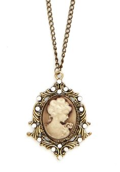 Cameo So Chic Necklace | Mod Retro Vintage Necklaces | ModCloth.com