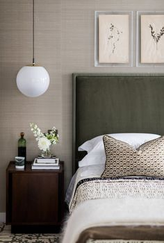 Mid-century modern bedroom by Studio Ashby