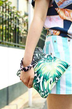 Brand:G.V.G.V.  More photo at:  http://www.fashionsnap.com/streetsnap/2012-06-23/16966/#
